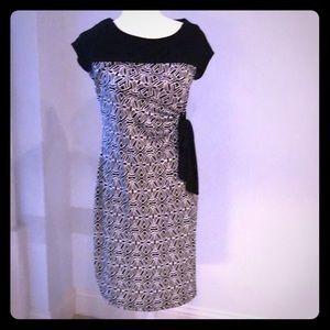 Morherhood beautiful stretch dress.